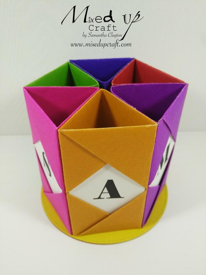 origami pen pot holder. Black Bedroom Furniture Sets. Home Design Ideas